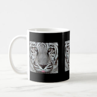 Tigre blanco taza básica blanca