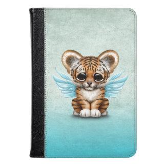 Tigre Cub lindo con las alas de hadas en azul