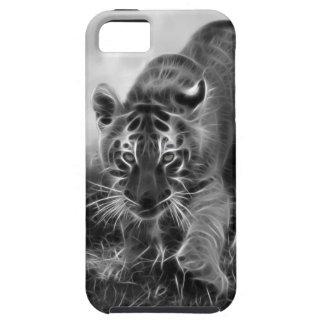 Tigre de bebé que acecha en blanco y negro iPhone 5 carcasas