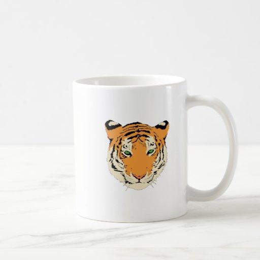 Tigre de ojos verdes enojado taza