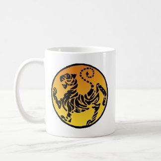 Tigre de Shotokan - oro Taza Básica Blanca