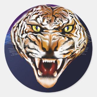 Tigre del tigre que quema brillante pegatina redonda