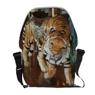 Tigre disimulado bolsa de mensajería