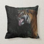 Tigre en el parque zoológico almohada