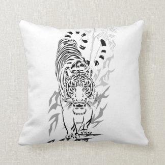 Tigre en la almohada del vagabundeo 2