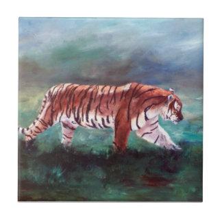 Tigre en la teja del vagabundeo