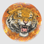 tigre en llama pegatina redonda