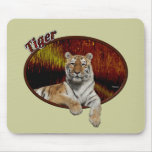 Tigre en óvalo alfombrillas de ratón