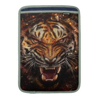 Tigre enojado que rompe Yelow de cristal Fundas Para Macbook Air