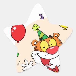 Tigre feliz en fiesta calcomanía forma de estrella personalizada