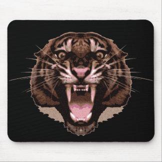Tigre feroz alfombrilla de ratón