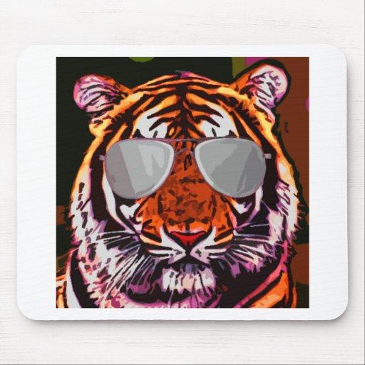 Tigre fresco alfombrillas de raton