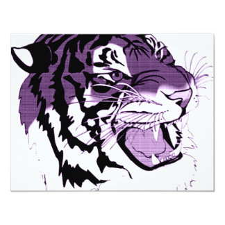 """Tigre hecho frente púrpura invitación 4.25"""" x 5.5"""""""