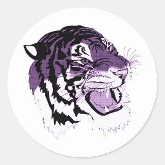 Tigre hecho frente púrpura etiquetas redondas