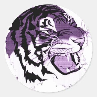 Tigre hecho frente púrpura etiqueta redonda
