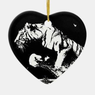 Tigre negro y blanco adorno de cerámica en forma de corazón