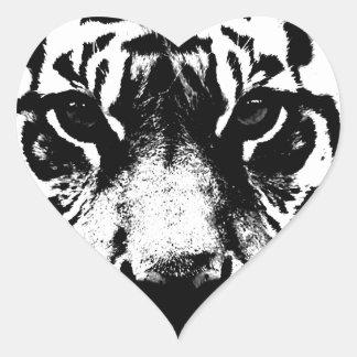 Tigre negro y blanco calcomanía de corazón