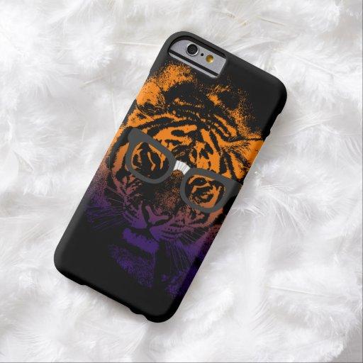 Tigre Nerdy en caja oscura del iPhone 6 de los Funda De iPhone 6 Barely There