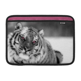 Tigre observado rosa funda  MacBook
