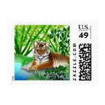 Tigre pacífico en el franqueo de bambú de la selva