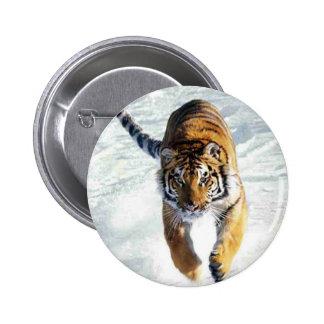 Tigre que corre en nieve pin redondo 5 cm