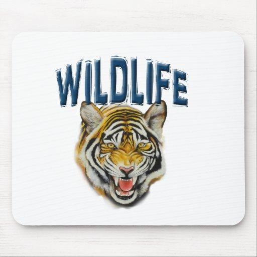 Tigre que gruñe con fauna de las palabras alfombrillas de ratón