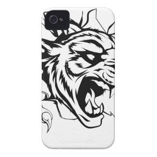 Tigre que rasga a través de la pared iPhone 4 Case-Mate cárcasa
