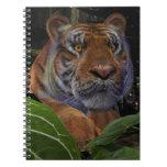 Tigre que se agacha libreta espiral