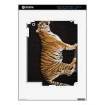 Tigre que se coloca en la plataforma iPad 3 pegatina skin