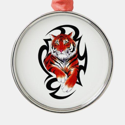 Tigre tribal salvaje del dibujo animado del adorno navideño redondo de metal