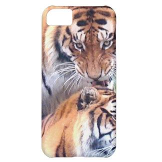 Tigres blandos de la estación del amor y de la ale