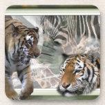 Tigres, cebra, jirafa, selva primitiva posavasos de bebidas