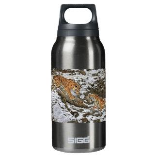 Tigres en guardia botella isotérmica de agua