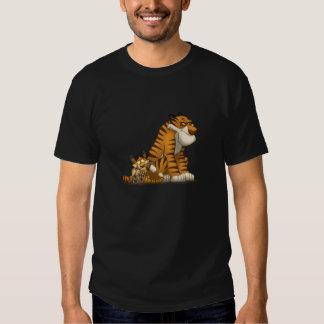 Tigres en una camiseta playeras