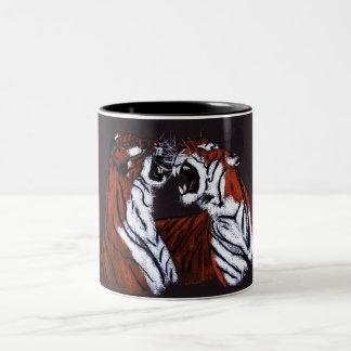 tigres que luchan taza dos tonos