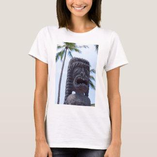 Tiki Statue in Kona, Hawaii - T-Shirt
