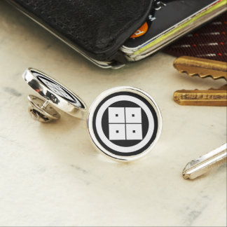 Tilted four-square-eyes in circle pin
