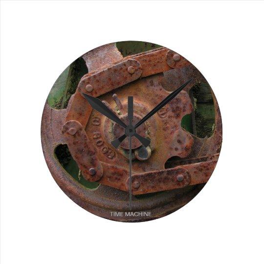 Time Machine Round Clock