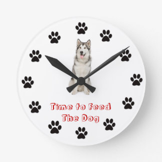 Time to feed the dog Alaskan Malamute Round Clock