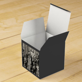 Timelapse Themed,  Time Lapse In Louvre Museum Sho Party Favor Boxes