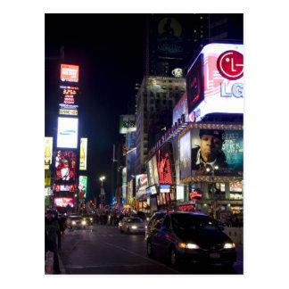 Times Square en la noche en Manhattan, Nueva York Postal