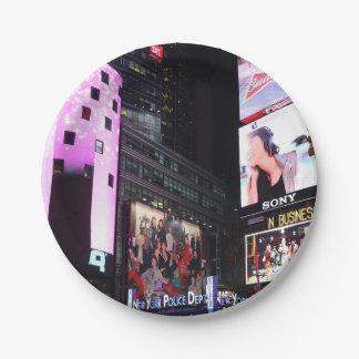 Times Square en New York City (rosa) Plato De Papel 17,78 Cm
