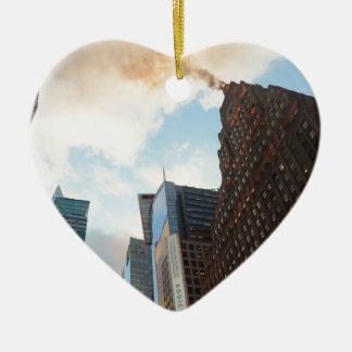 Times Square y el edificio de Paramount Adorno Navideño De Cerámica En Forma De Corazón