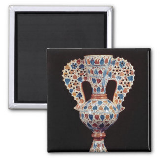 Tin-glazed vase with lustre decoration magnet