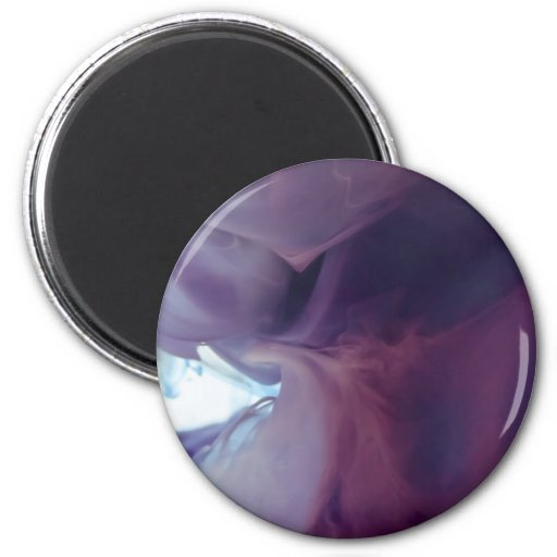 Tinta y agua abstractas púrpuras de la fotografía imán