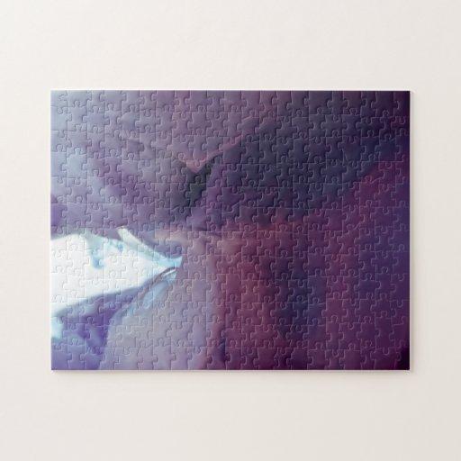Tinta y agua abstractas púrpuras de la fotografía puzzle con fotos