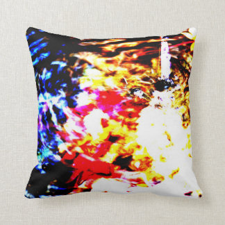 Tinted autumn leaves color ateisutetsuku color throw pillow