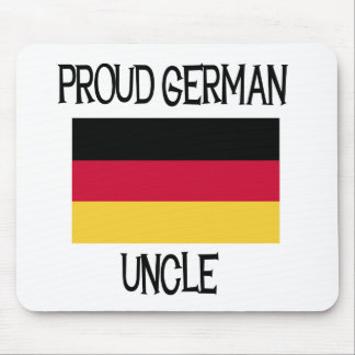 Tío alemán orgulloso mouse pads