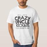 Tío loco nombrado camiseta tipográfica negra del remeras