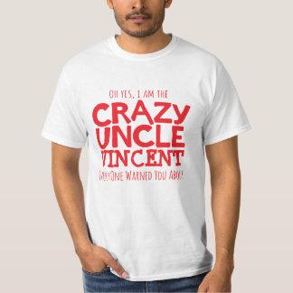 Tío loco nombrado camiseta tipográfica roja del playeras